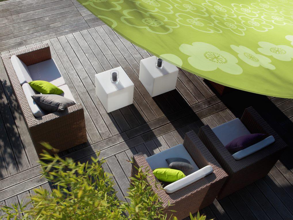 mobilier exterieur bordeaux. Black Bedroom Furniture Sets. Home Design Ideas